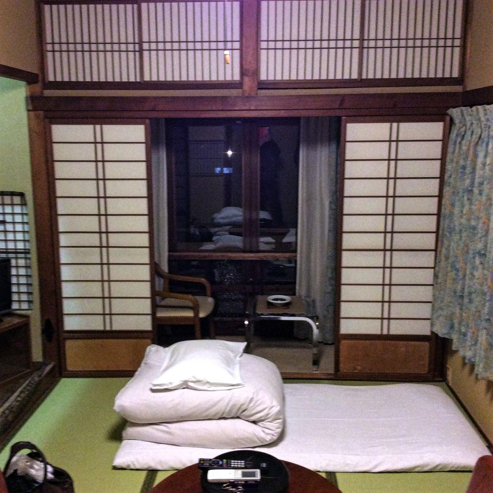 木津屋旅館部屋内部