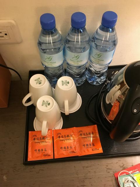サービスの水
