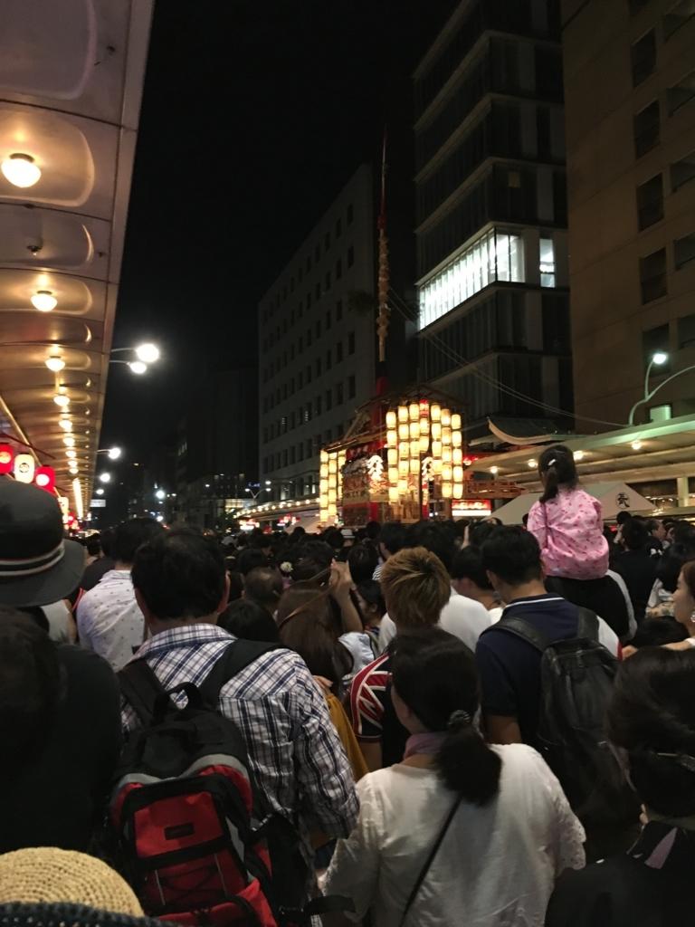 祇園祭の賑わい