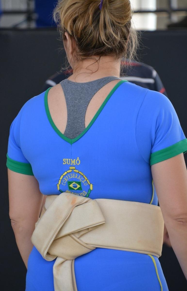 ブラジル 相撲 女性力士