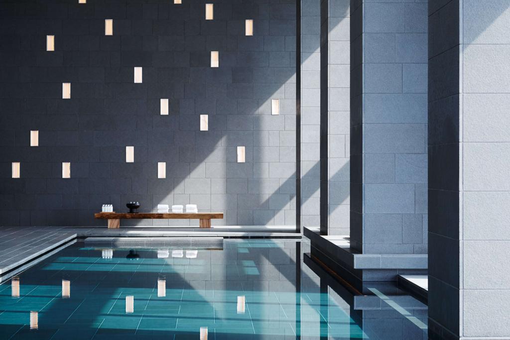 アマン東京のプール