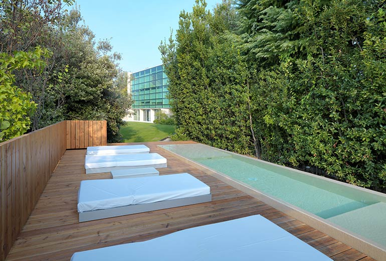 C-ホテル&スパの屋外プール