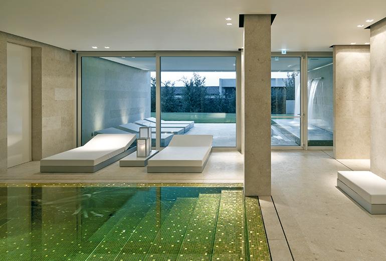 C-ホテル&スパの屋内プール