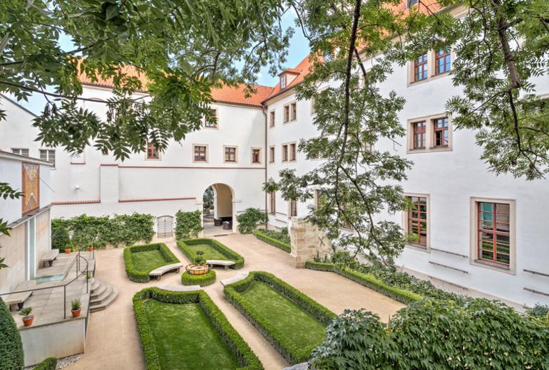 オーガスティン,ラグジュアリーコレクションホテル,プラハの中庭