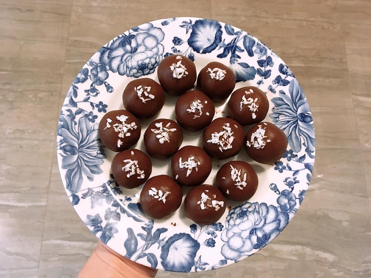 Vegan Chocolate Dipped Snow Balls