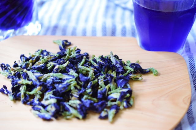 dried butterfly pea