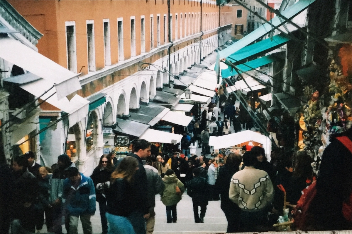 Venice is crowded with many tourists