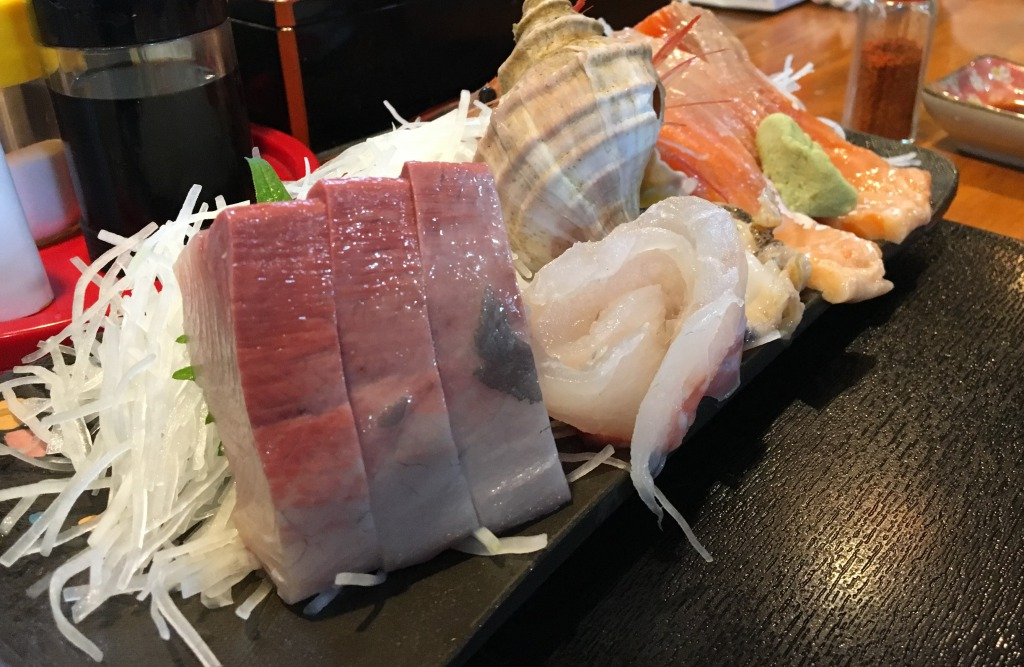 Sakuratei sashimi