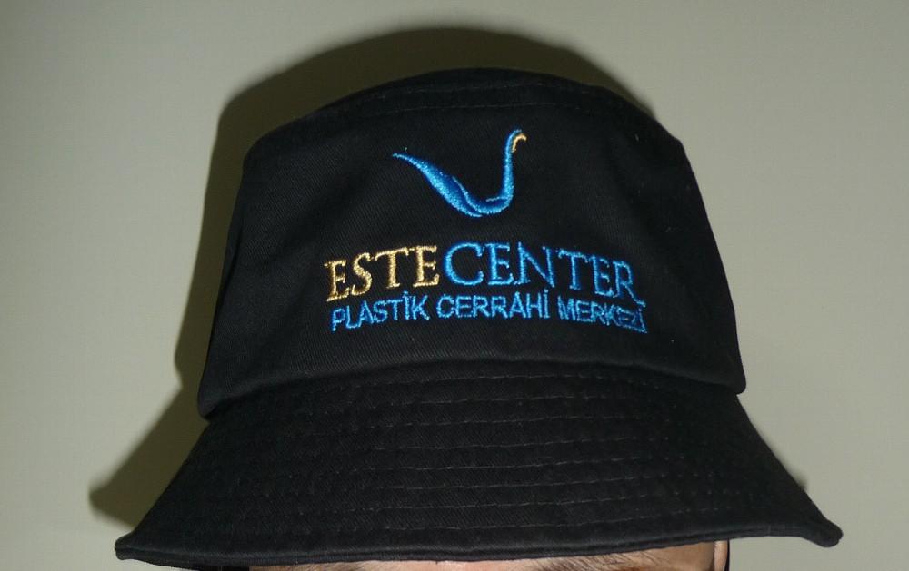 トルコ旅立ちの日・イスタンブール空港~自毛植毛エステセンタークリニックの帽子