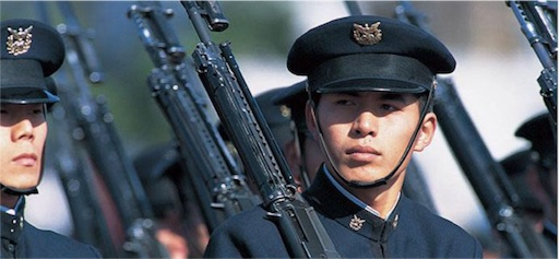 防衛大学校〉任官拒否47名の中の卒業式 - かえる日記