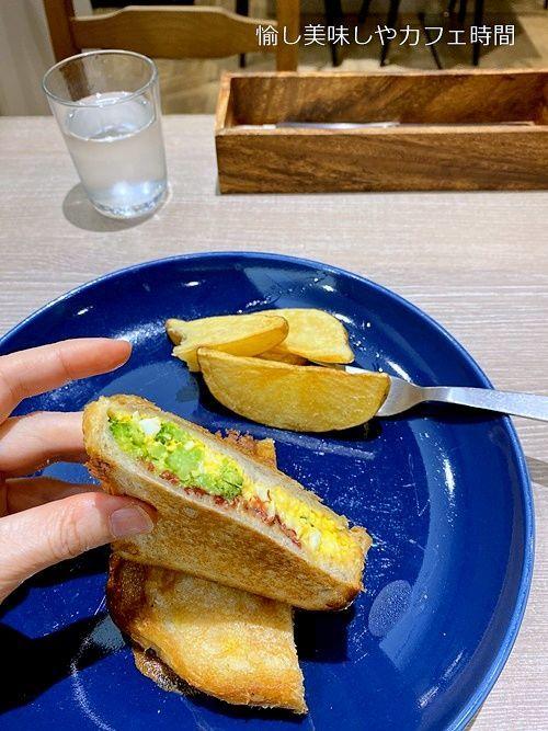 九州パンケーキのコンビーフ&タマゴホットサンドを食べた