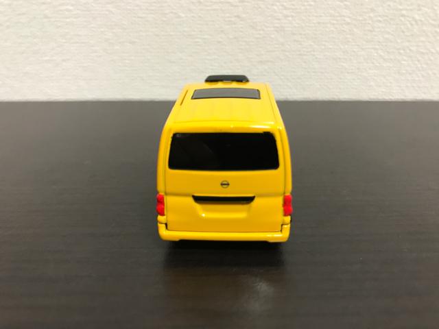 トミカNO.27 日産 NV200 タクシー(初回特別仕様)の後部
