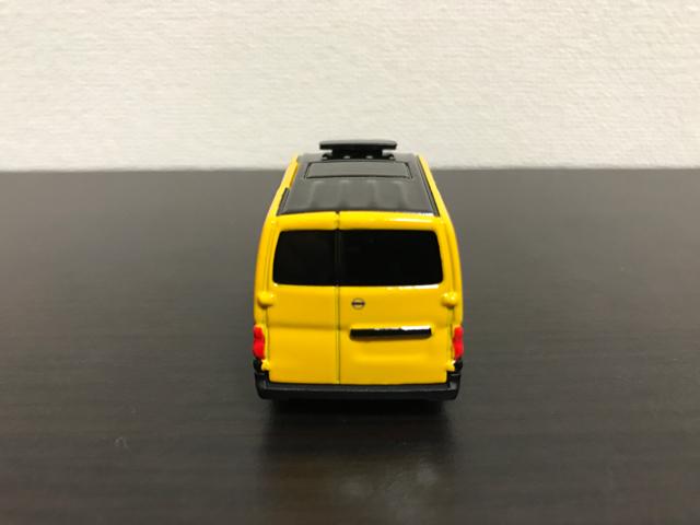 トミカNO.27 日産 NV200 タクシーの後部