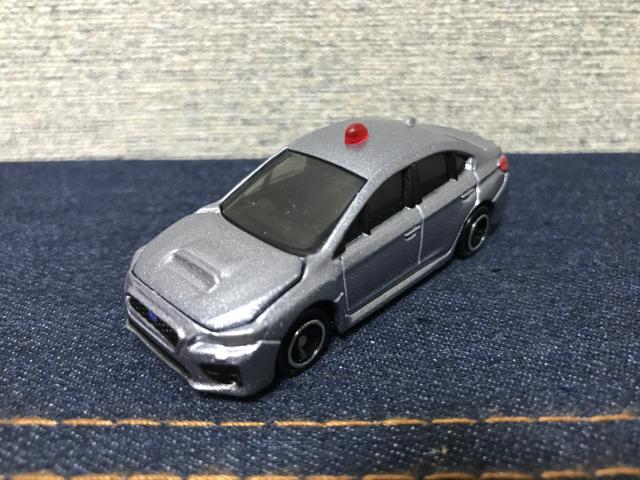 トミカNO.2 スバル WRX S4 覆面パトロールカー