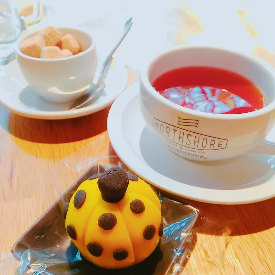 カフェのひとり時間かぼちゃの和菓子