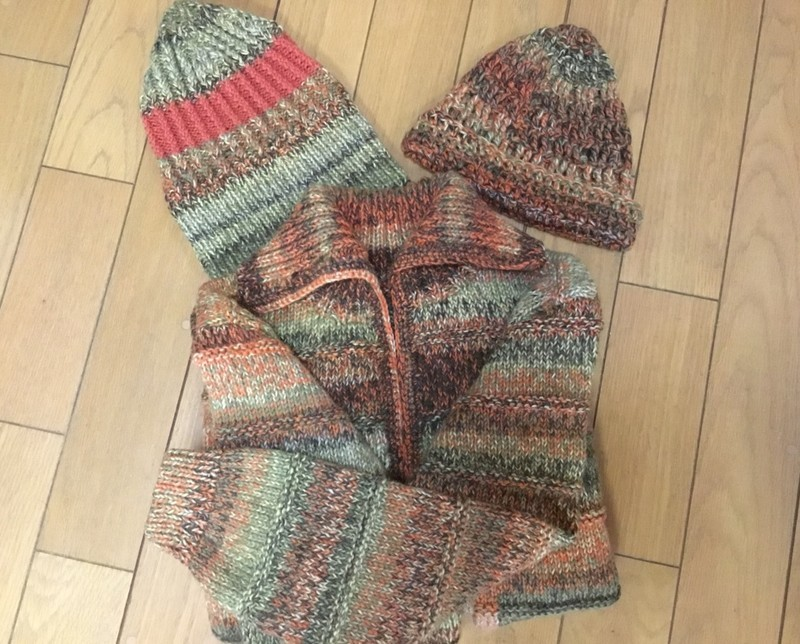 左:同じMADRIDで編んだ帽子