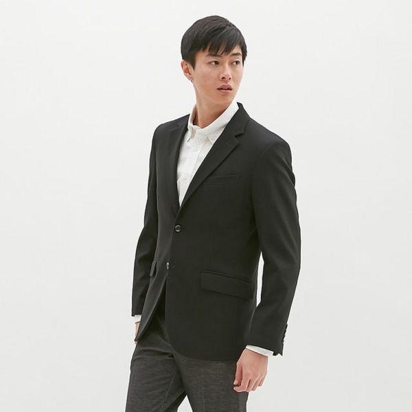 GUのテーラードジャケット