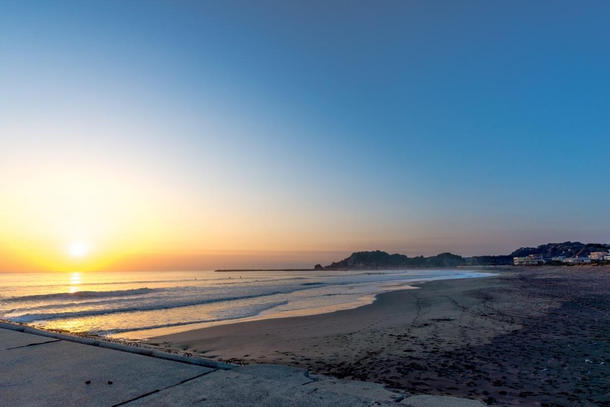 釣ヶ崎海岸の朝陽
