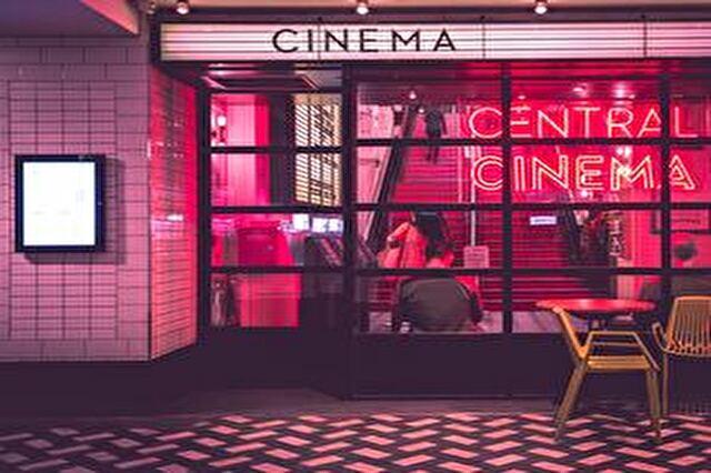 映画館デートで会話のネタを補って共感共有するコース