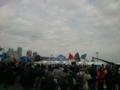 ゴール地点到着。太鼓囃と大漁旗でお祭りさながら。