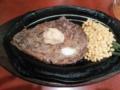 ビリーザキッドでステーキ。ニンニクかけすぎた