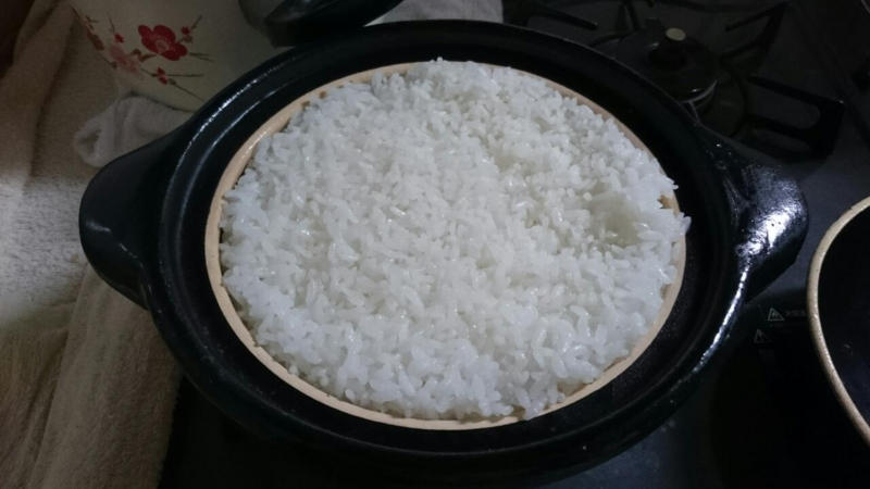 ふた開けたときの鍋から膨れたご飯がいい感じ