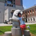 7/20県庁前で、ぐんまちゃんの石像