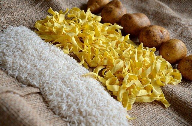 米やパスタなどの炭水化物は危険