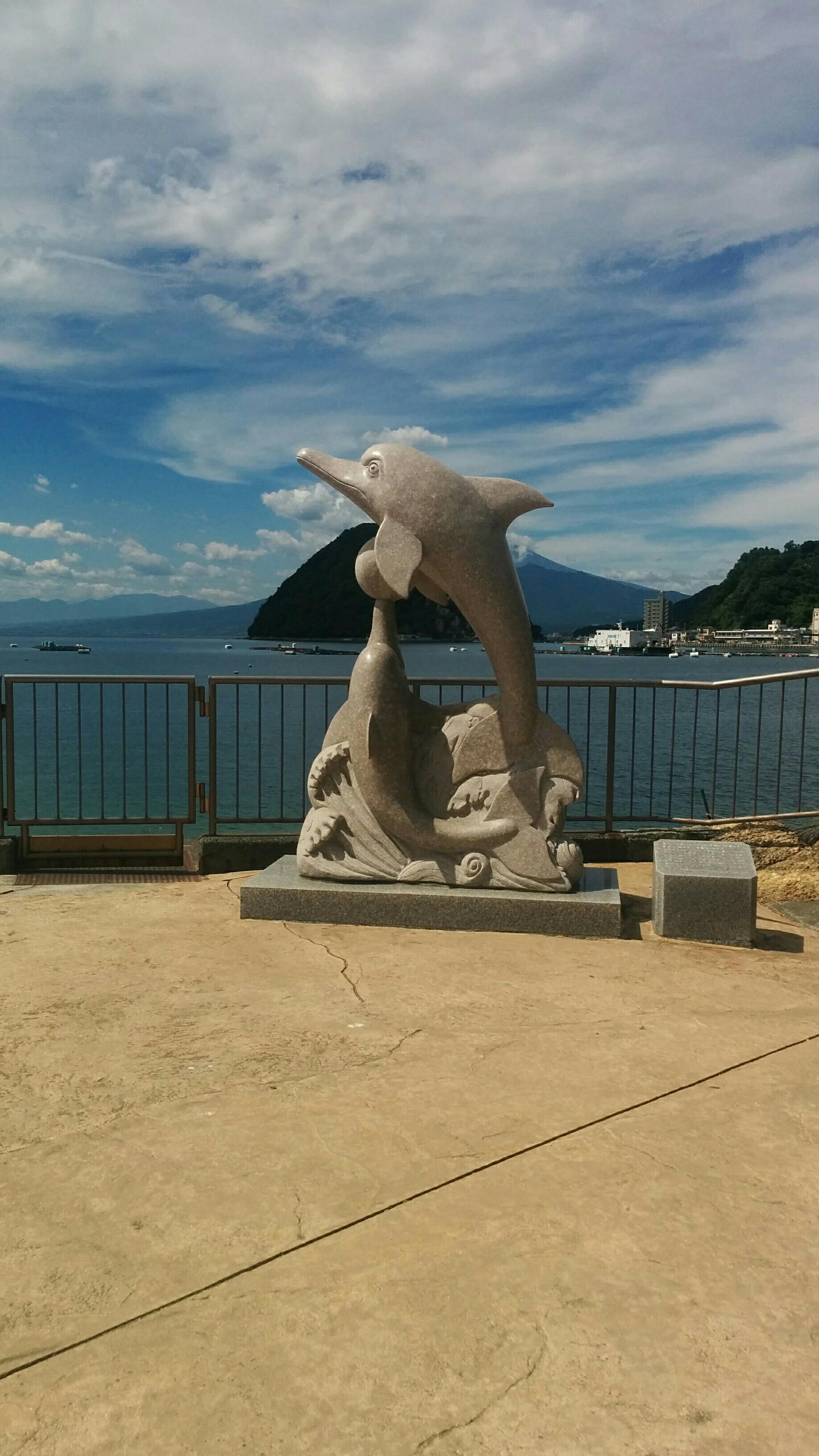 イルカ像 淡島と富士山が見えるのがgood