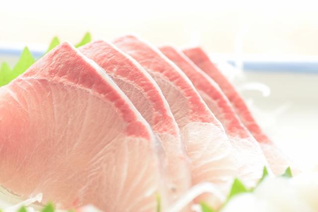 魚は生で食べる
