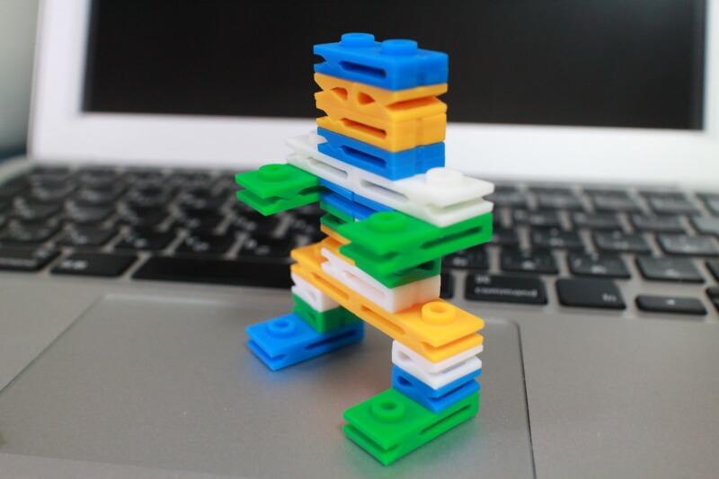 ブロックのロボット