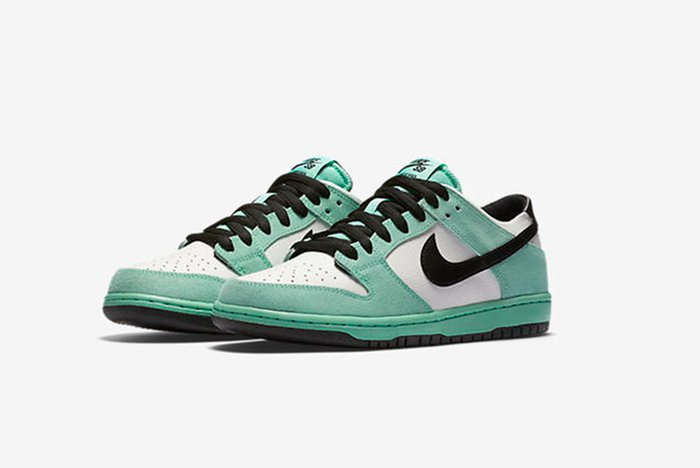 【リーク】NIKE SB DUNK LOW 'SEA CRYSTAL'(819674-301)