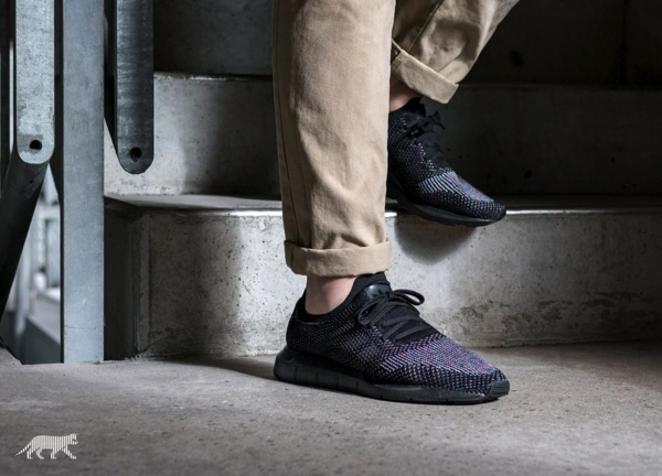 【7月27日発売】ADIDAS ORIGINALS SWIFT RUN PK 'CORE BLACK'