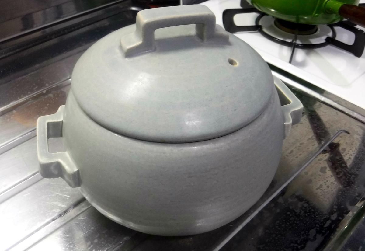 ご飯は鍋で炊く