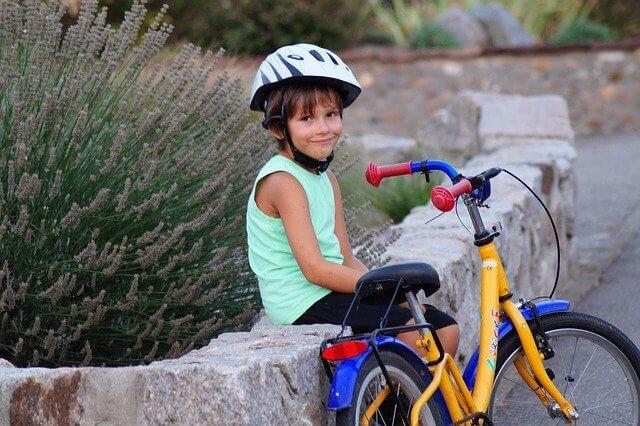 自転車の子供
