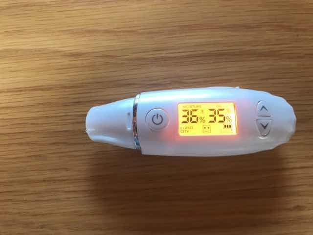 POLAB,Aローション使用前のお肌の水分量
