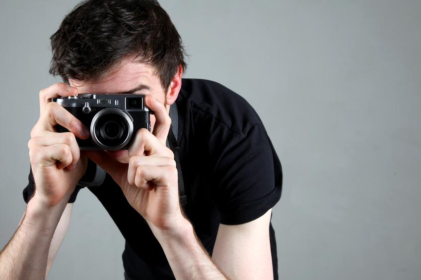 """一眼カメラでクールに撮影したいけど…そもそも""""ミラーレス""""ってなんすか?"""