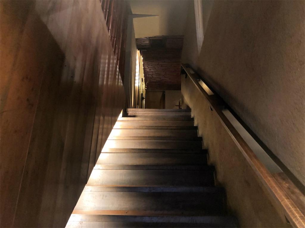 だいこんや 階段