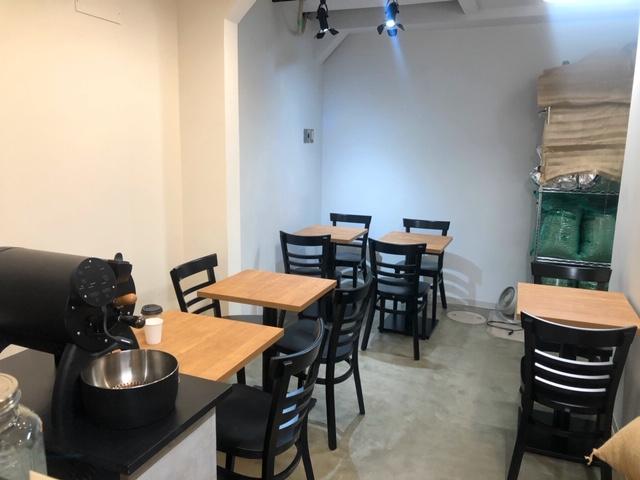 AUNG COFFEE テーブル席