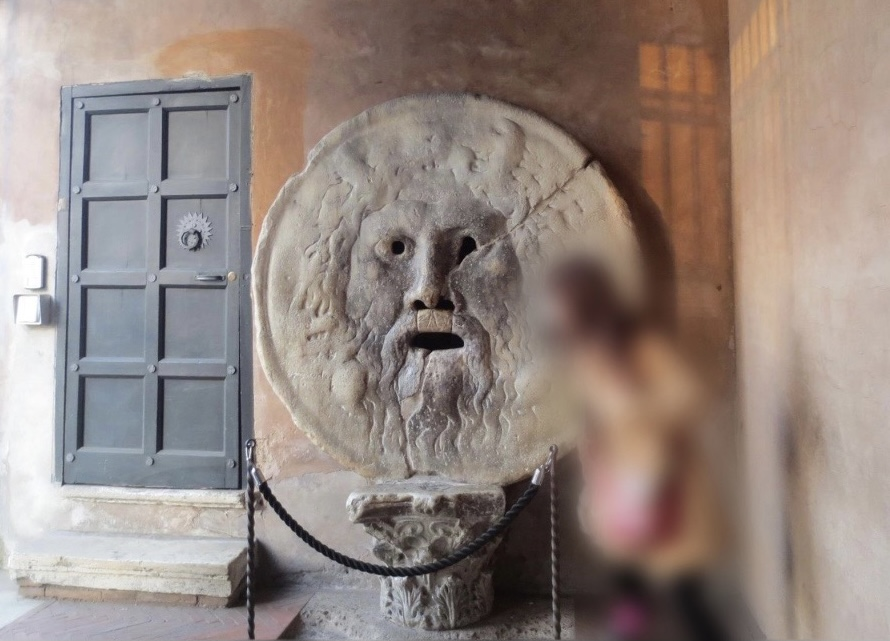 ローマの本家「真実の口」