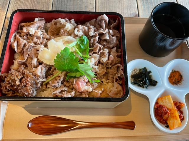 飯田橋 熟成和牛焼肉エイジングビーフ ランチの熟成黒毛和牛すき焼き重(並)