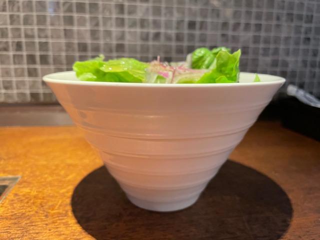 神楽坂コグスダイニング ランチのサラダ