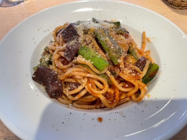 神楽坂あかぎカフェ ランチ 牛頬肉と小松菜のラグーソースパスタ