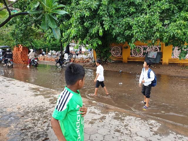 カンボジア雨
