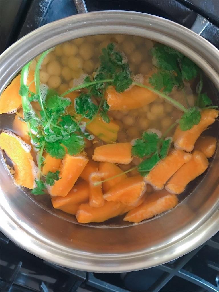 ドミニカ料理の白豆とかぼちゃのスープ