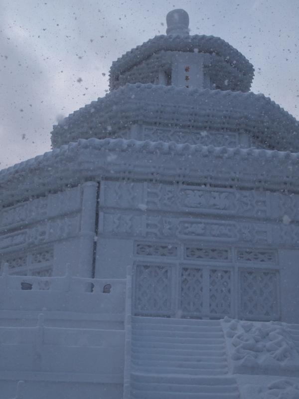札幌雪まつり 大雪像 天壇 祈年殿