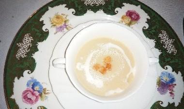 白いお野菜中心のスープ