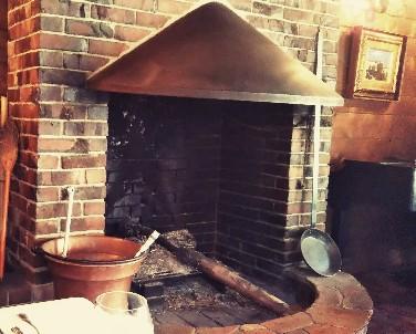 ウッドハウスの暖炉