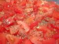 ブラックペッパーと塩で漬けたトマト
