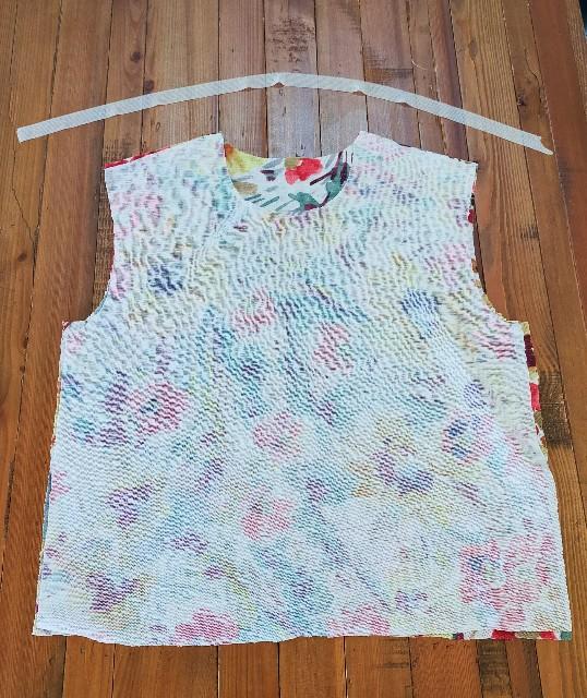 子供用のTシャツのニットソーイングの伸び止めテープの縫い方